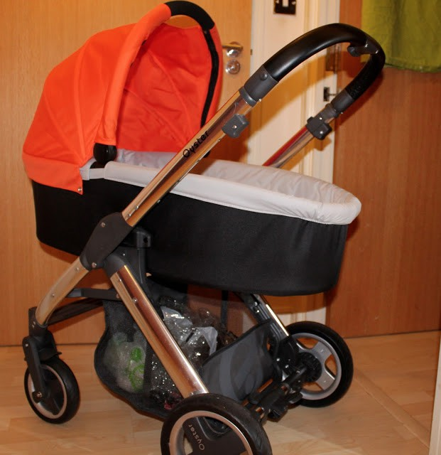 Oyster baby style travel system cary cot