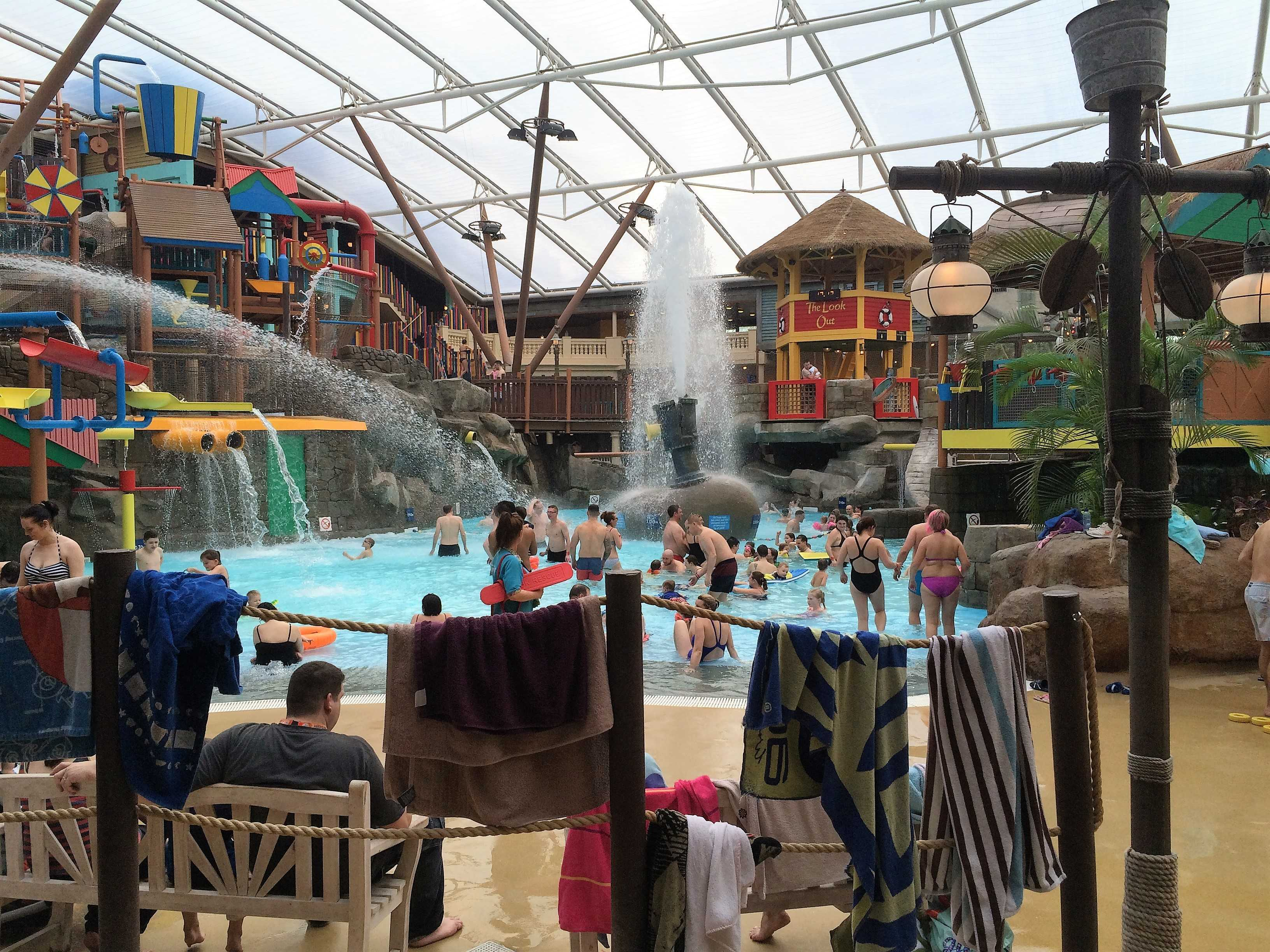 Sunday at Splash Landings Waterpark Alton Towers